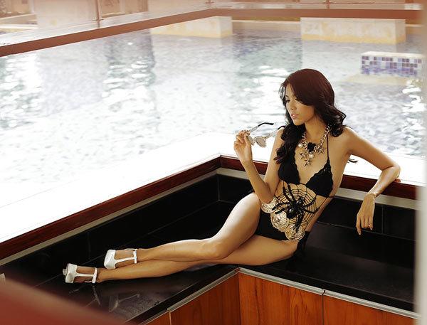 Tran Ngoc Lan Khue - Miss Vietnam World 2015